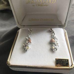 Sterling silver dangling earrings - Never worn